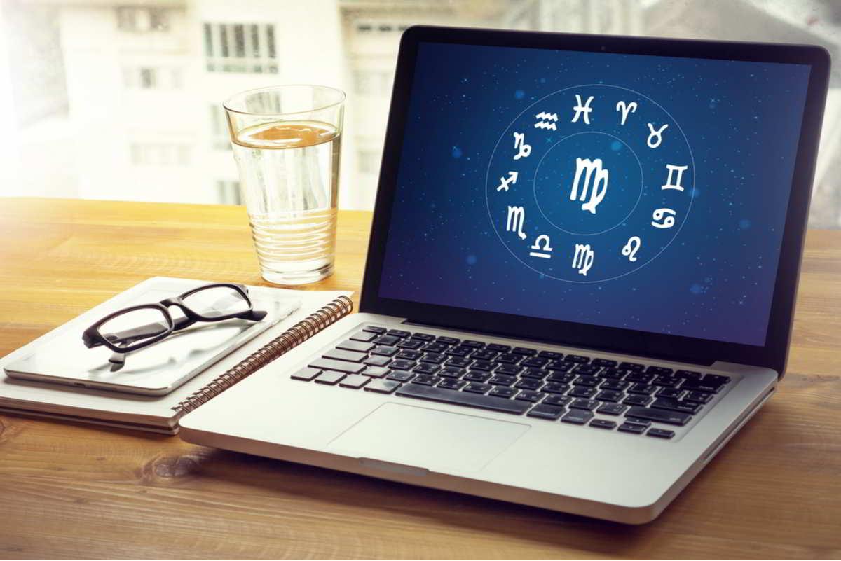 pc con zodiaco sul desktop